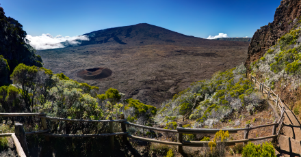 Piton de la Fournaise treking path
